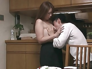 A Weekend With My Aunt mature japanese milf